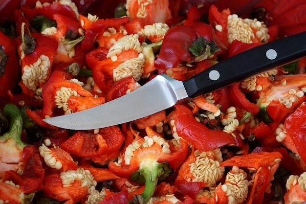 Small knife for a jobbing and cleaning of vegetables and fruit