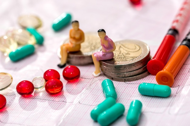 알약과 제품은 작은 사람들