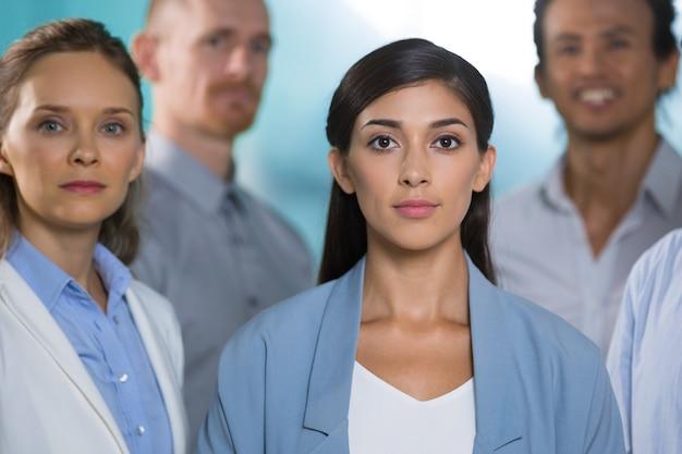 Умные женщины-специалисты уверены в успехе