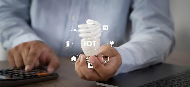 스마트 홈 연결 스마트 홈 기술 장치 iot 하우스 자동화 인테리어, 거실, 주방, 침실 및 욕실