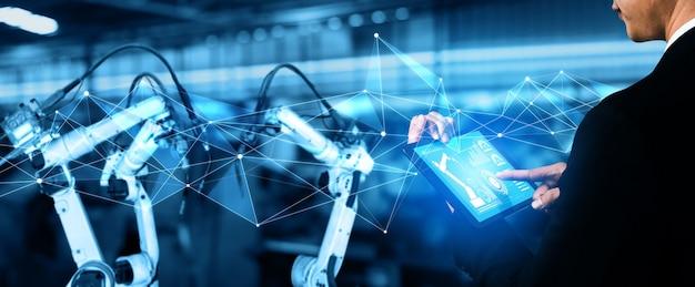 デジタル工場生産技術のためのスマート産業ロボットアーム