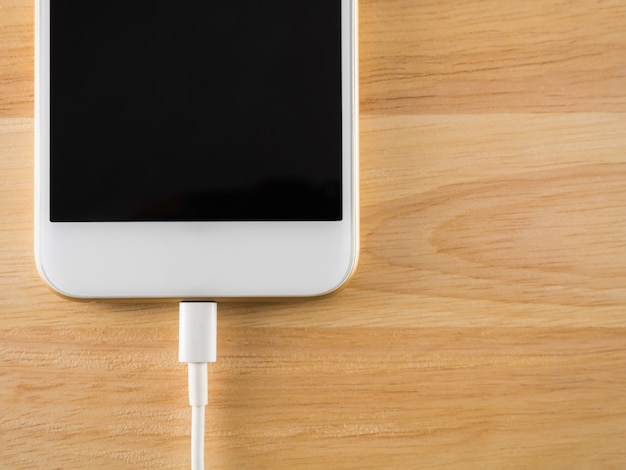 Smart phone charging with usb cable
