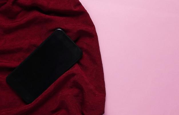 シルク生地のスマートフォン