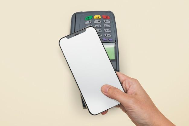 Schermo dello smartphone pagamento senza contanti nella nuova normalità