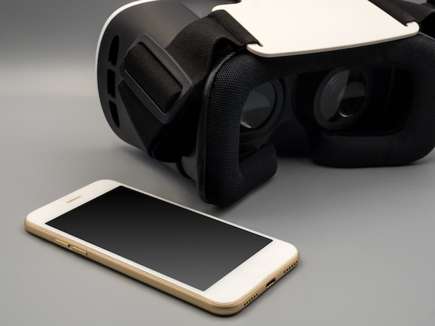 Smartphone and virtual reality headset (vr box)