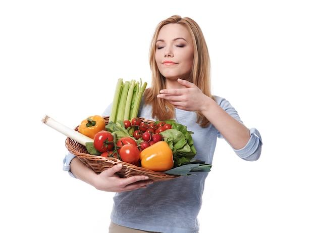 Запах свежих овощей потрясающий