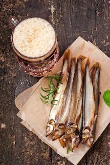 ビールと魚の燻製