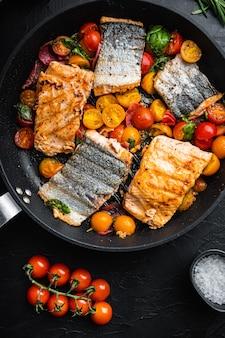 Копченый лосось чоризо на гриле с помидорами черри