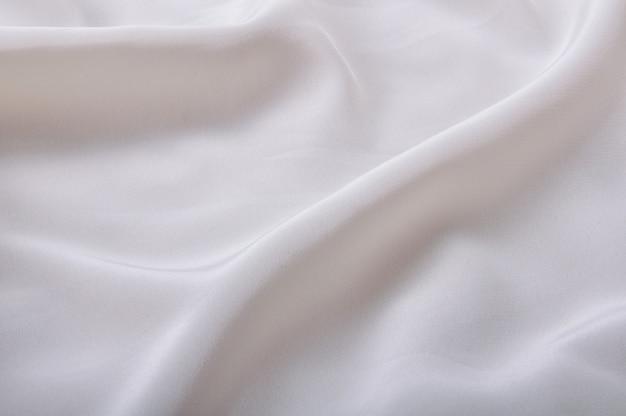 Гладкая элегантная и очень приятная шелковая ткань