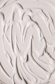 Smooth surface of glossy paint