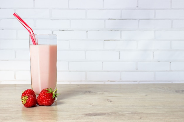 Smoothie with strawberries and milk
