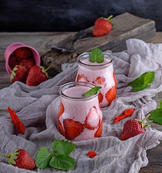 Smoothies of fresh strawberries