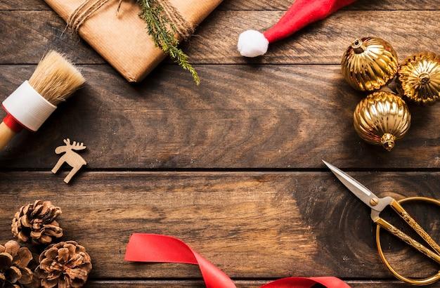 Snags, present box, brush and ornament balls