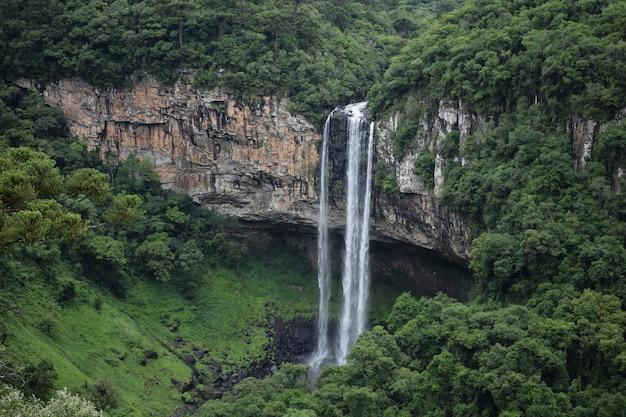 グラマドのカタツムリの滝