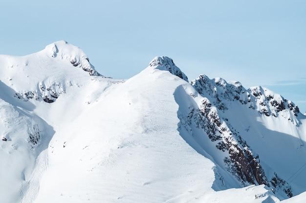 クラスナヤポリヤナの雪山