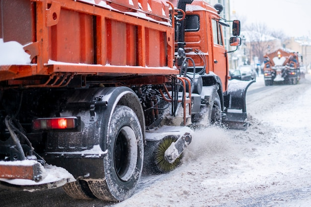 Snow remove machine with crew in the streets b
