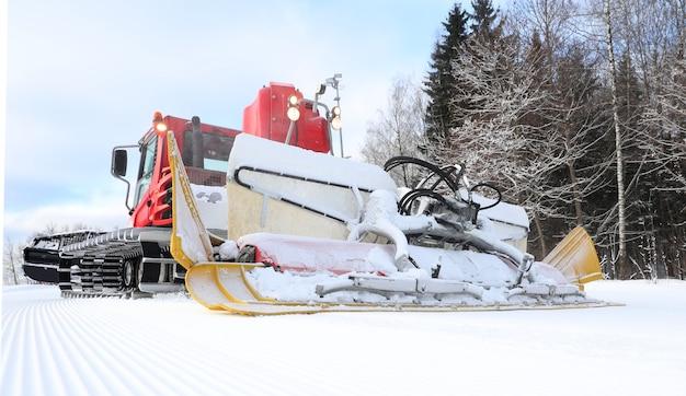 雪道の準備のためのsnowcat
