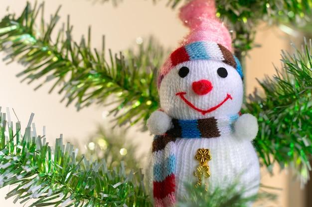 눈사람과 크리스마스 트리 장난감