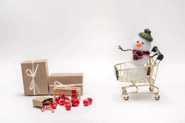 Snowmen are shopping gifts for christmas.