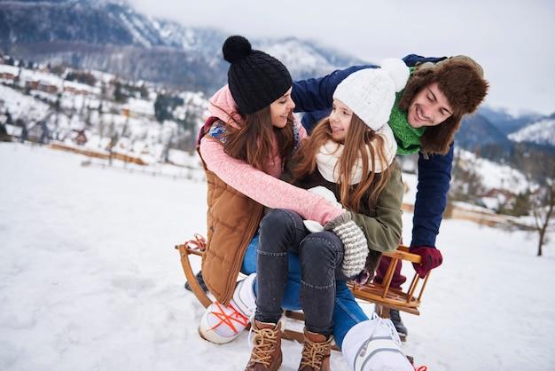 Снежное развлечение в горах