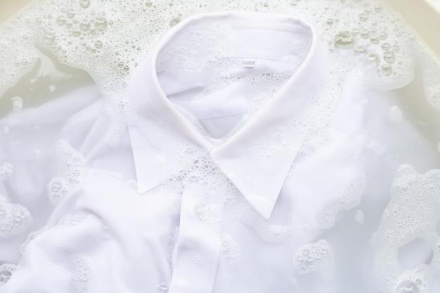 Soak  cloth before washing, white shirt