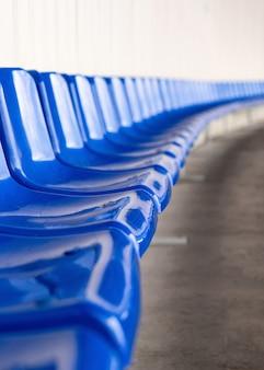Футбольная, футбольная или бейсбольная стадионная трибуна без болельщиков