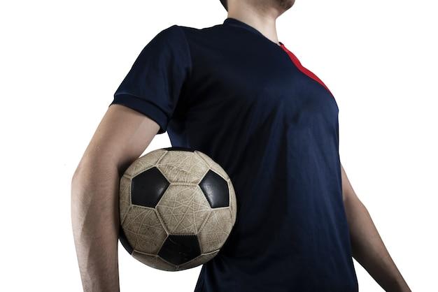 Футболист с футбольным мячом готов играть в футбол. изолированные на белом фоне