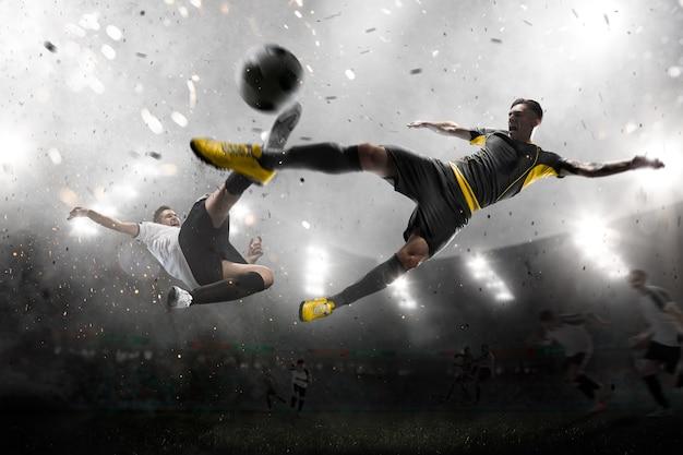攻撃中のサッカー選手