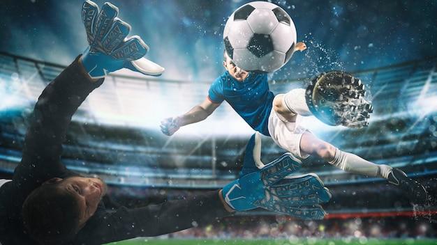 Футбольный нападающий бьет по мячу акробатическим ударом в воздухе на стадионе во время ночного матча