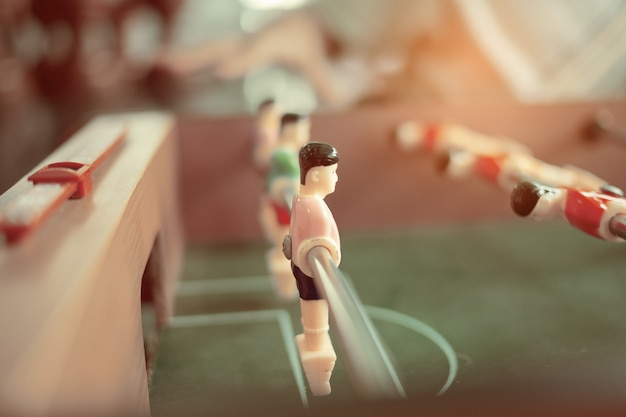 Игра в настольный футбол soccor, развлечения, спортивная команда