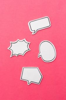 소셜 미디어 채팅 개념입니다. 텍스트에 대한 빈 빈 채팅 거품