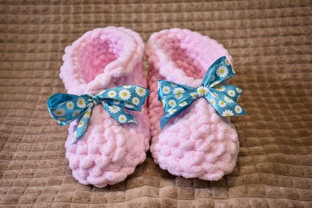 부드럽고 아름다운 수제 여성 신발