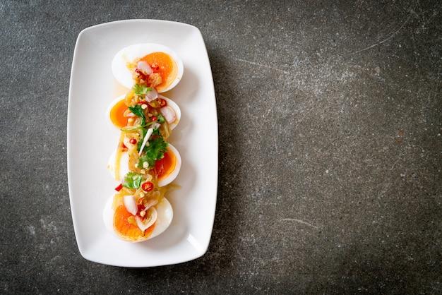 ゆで卵のスパイシーサラダ