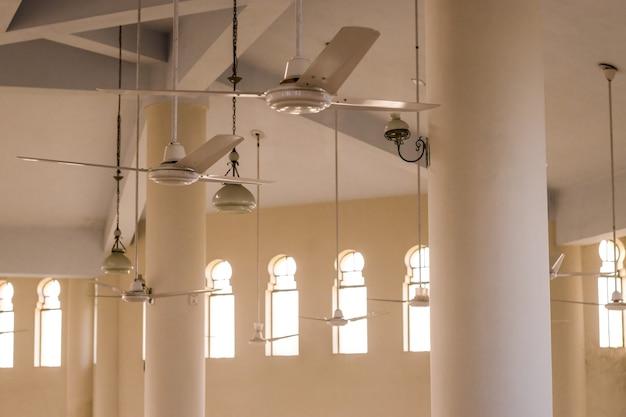 Мягкая сфокусированная внутренняя сторона мечети