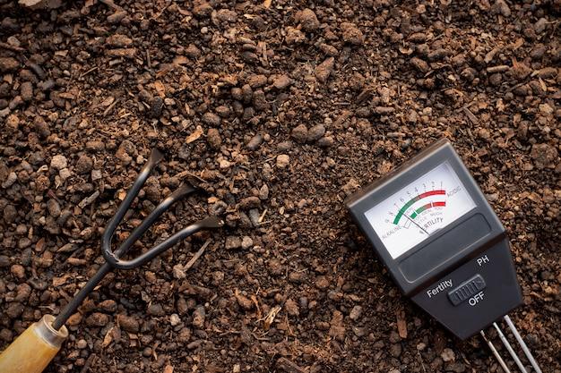 토양 측정기 및 농업 장비는 롬에 배치됩니다.