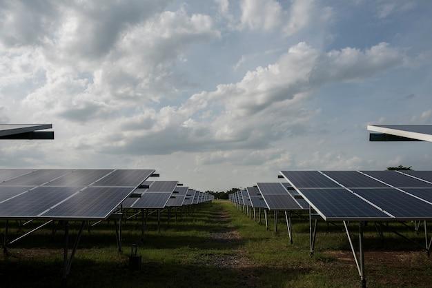 태양의 대체 에너지를위한 발전소의 태양 전지 농장