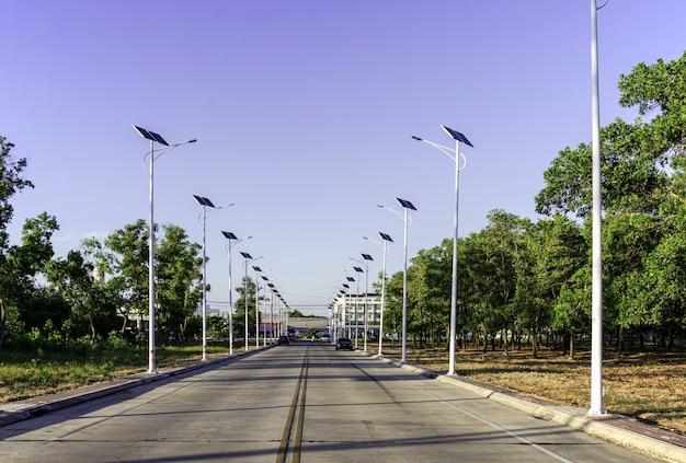 Solar cell lighting bulb on the road