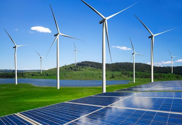 自然景観における太陽エネルギーパネル太陽電池と風力タービンファーム発電機
