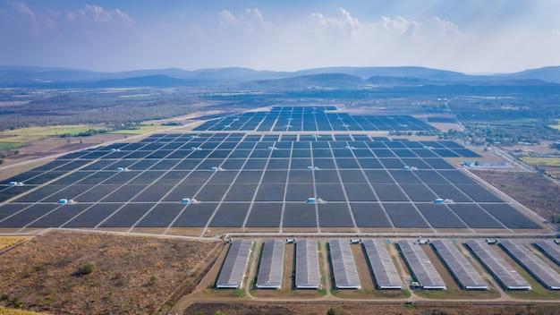 Панели солнечных батарей в азии крупнейшая солнечная электростанция выше вид