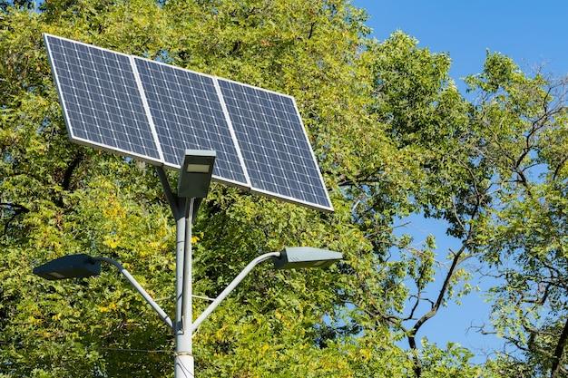Солнечные панели для зеленой энергии