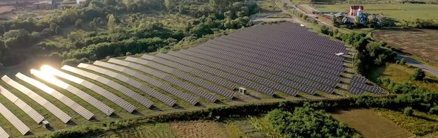 Панели солнечных батарей в виде с воздуха панели солнечных батарей в виде с воздуха