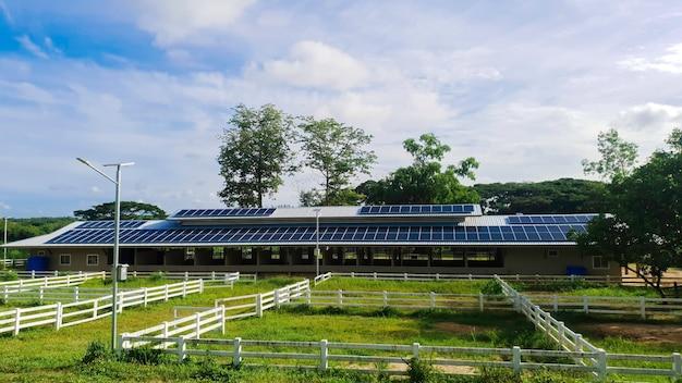 대체 발전 시스템을 위한 옥상 주택의 태양광 패널 기술