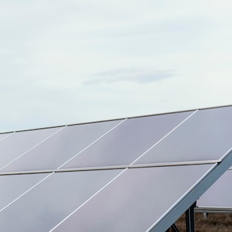 Pannelli solari con copia spazio