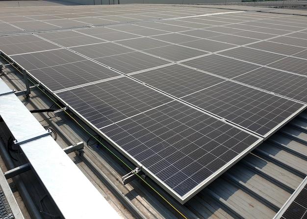 공장 지붕에 설치 후 solar rooftop