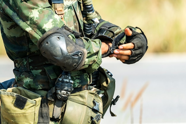 Солдат готов к военному бою