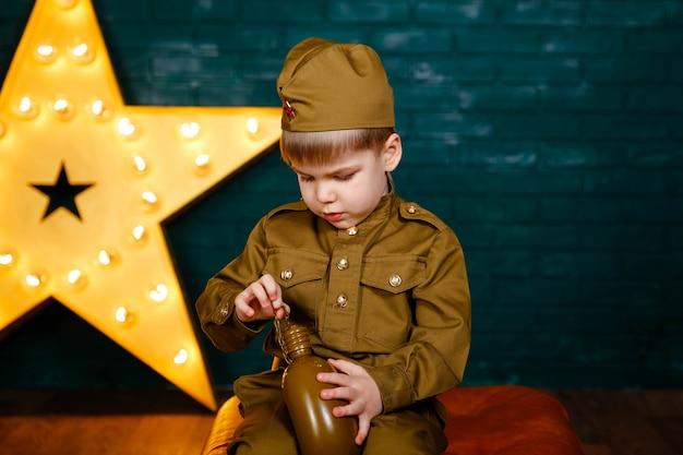 Солдат - защитник отечества