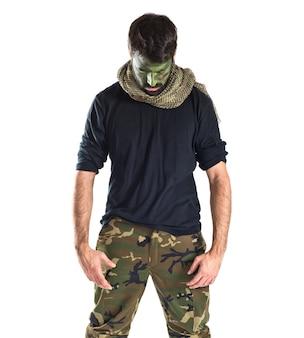 Soldato su sfondo bianco