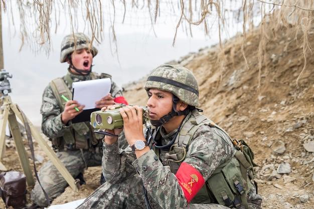 軍事作戦の兵士