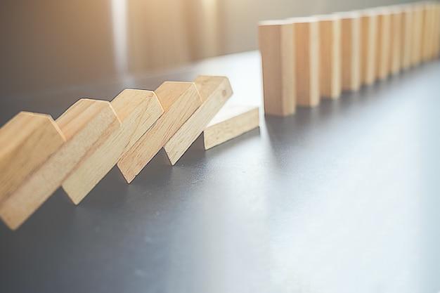Solve chain successful wooden risk organization Free Photo