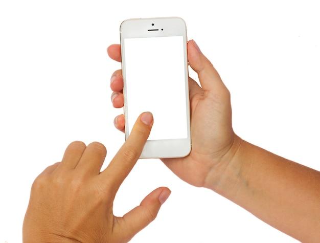 Кто-то руки держит и трогает современный смартфон, изолированные на белом фоне с копией пространства